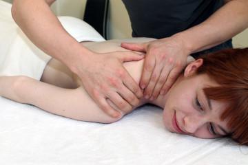 Patientin beim Physiotherapeut Stuttgart